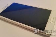 """Samsung Galaxy A5: 5"""" HD displej, mid-range špecifikácie a kovová konštrukcia"""