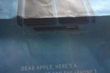 """Samsung zosmiešnil Apple: """"Milý Apple, tu máte všetko čo potrebujete k iPhone 7!"""""""