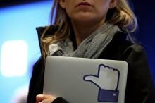 Teenagerov už nebaví Facebook, uprednostňujú WhatsApp a Instagram