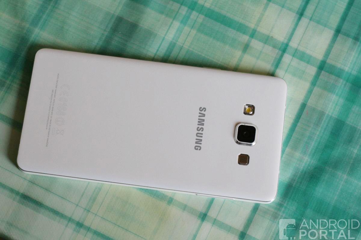 Samsung-Galaxy-A7-12-1200-w