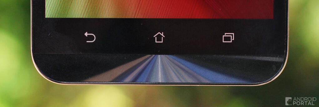 Širšia brada smartfónu zariadenie zväčšuje nie len opticky ale aj hmatateľne
