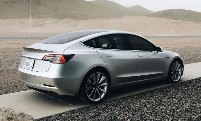 Analytik Tesla Model 3 Bude 10 N 225 Sobne Bezpečnej Ia Ako