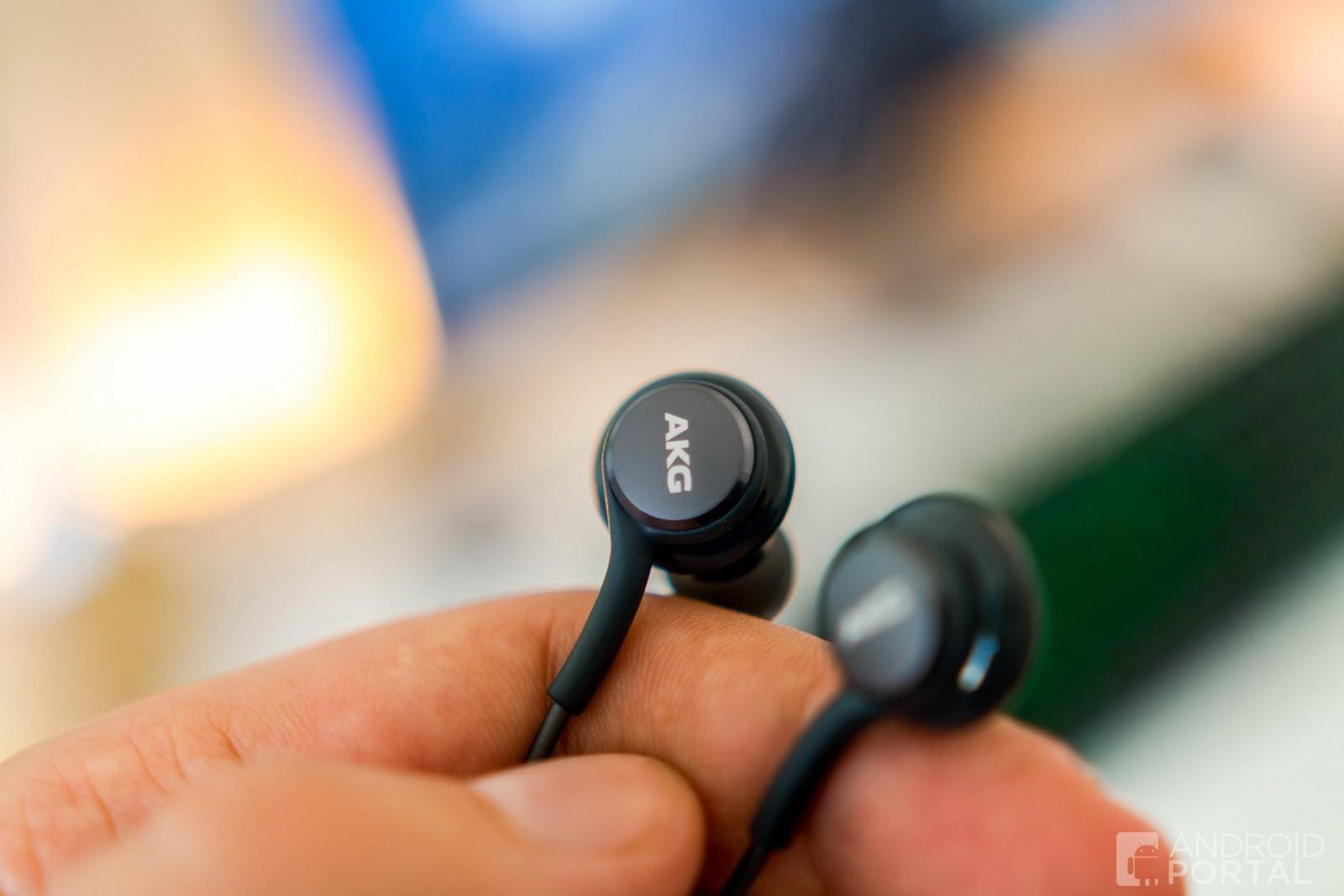 ddf305c72 RECENZIA: AKG slúchadlá, ktoré dostanete ku Galaxy S8/S8+ sú výborné ...