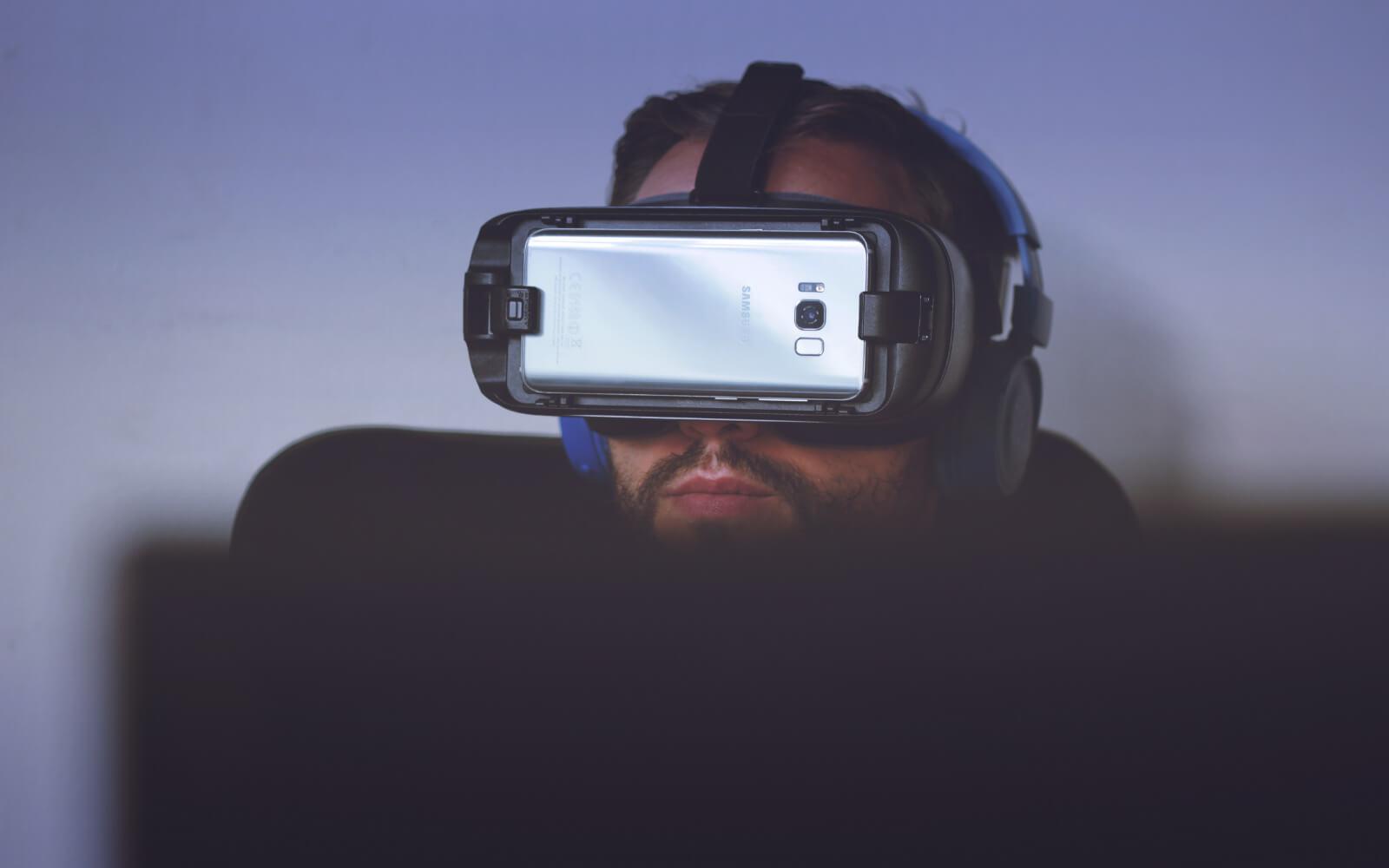 c1e0a87fd staré RECENZIA Samsung Gear VR: Jedinečný zážitok, ktorý vás pohltí. Aj  napriek nedokonalostiam. Virtuálna realita ...