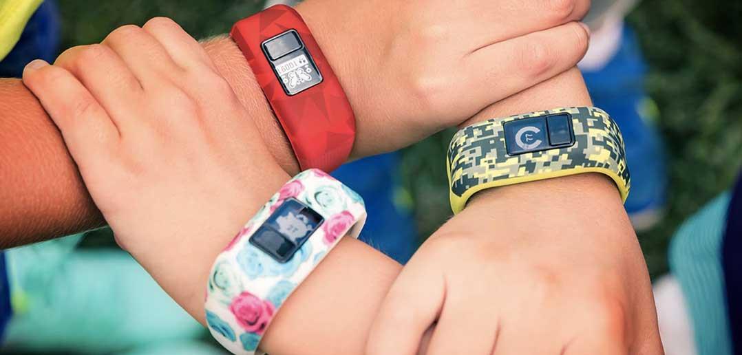Fitness trackery či smart hodinky zdobia zápästia stále väčšiemu počtu  nadšencov najnovších technológií. Výrobca Garmin sa teda rozhodol 583e10b126